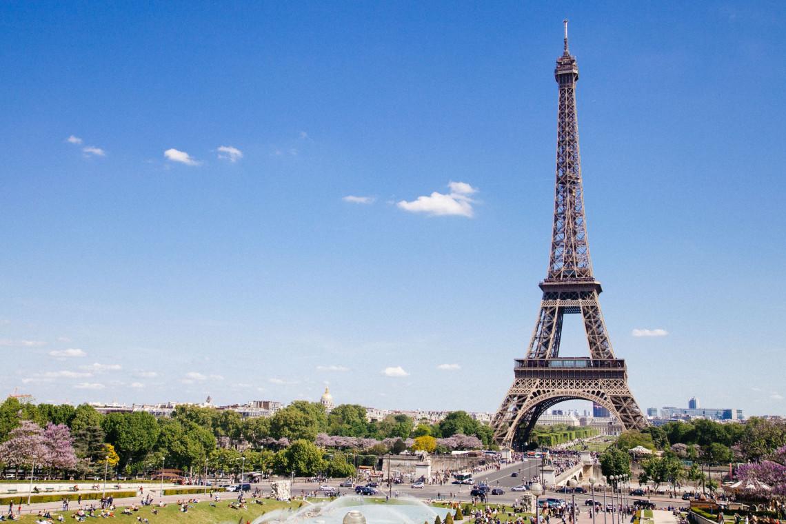 V Parizu omejili hitrost vožnje na 30 km/h